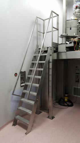 stainless-steel-ladder