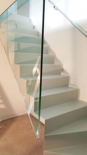 staircase-glass-balustrade